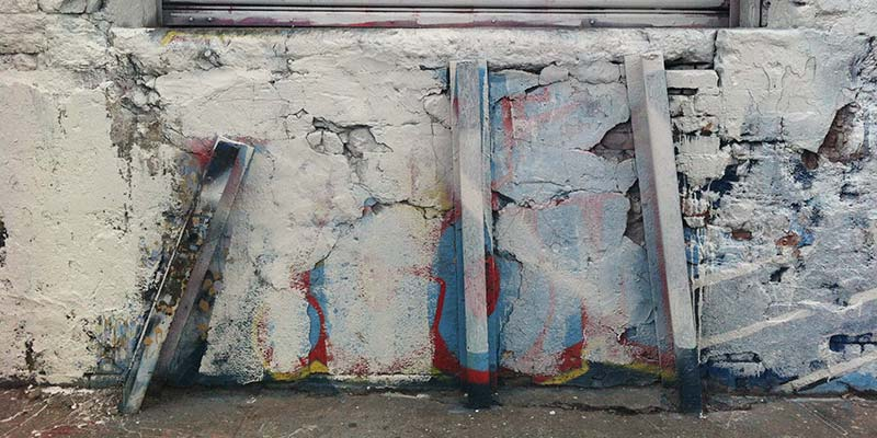 The eerie and sad beauty of white-washed grafitti at 5 pointz